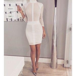 Dresses & Skirts - White long sleeved bodycon dress